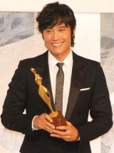『東京ドラマアウォード』で「Best Actor in Asia」を受賞したイ・ビョンホン (C)ORICON DD inc.