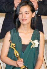 『東京ドラマアウォード』で助演女優賞を受賞した尾野真千子 (C)ORICON DD inc.