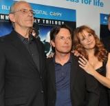 『バック・トゥ・ザ・フューチャー 』25周年記念Blu-ray BOX発売記念イベントで、(左から)クリストファー・ロイド、マイケル J. フォックス、リー・トンプソンが久々の再会
