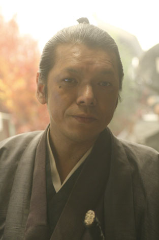 渡辺篤役のSION