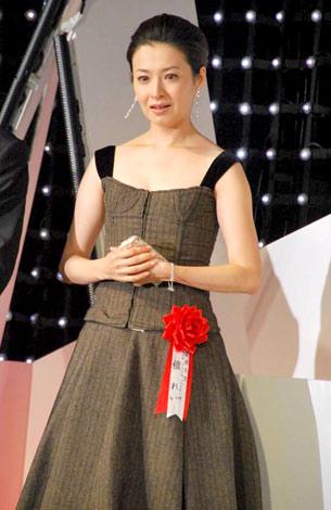 第27回『ATP賞テレビグランプリ 2010』授賞式で初主演ドラマがグランプリを受賞し、涙ながらに喜びを語った檀れい (C)ORICON DD inc.