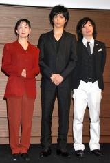 特別賞の古内一絵氏(左)と浜口倫太郎氏(右)も授賞式に出席 (C)ORICON DD inc.