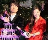 映画『行きずりの街』と東京タワーのクリスマス・イルミネーション点灯式のコラボイベントに登場した(左から)仲村トオルと小西真奈美 (C)ORICON DD inc.