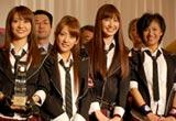 『第23回小学館DIMEトレンド大賞』の話題の人物賞を受賞したAKB48(左から大島優子、高橋みなみ、小嶋陽菜、宮澤佐江)