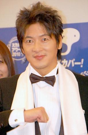 『スカパー!アワード2010』ブルーカーペットに登場した細川茂樹 (C)ORICON DD inc.