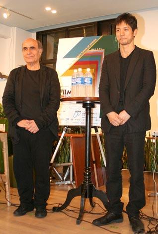 『第11回東京フィルメックス』プレイベントに登場した(左から)アミール・ナデリ監督、西島秀俊 (C)ORICON DD inc.