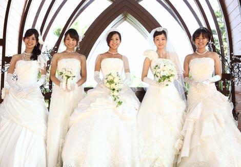 中野美奈子アナウンサー撮影の『アナ☆バン!カレンダー2011』で\u201cウエディング