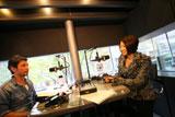 ラジオ番組『TOKIO HOT 100』の公開生放送に出演した宇多田ヒカル