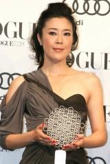 『VOGUE NIPPON Women of the Year 2010』授賞式に出席した寺島しのぶ (C)ORICON DD inc.