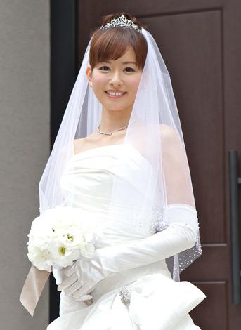 サムネイル ウエディングドレス姿を披露した皆藤愛子 (c)フジテレビジョン