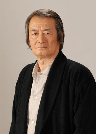 キーパーソンとなる恭一郎の父を演じる山崎努