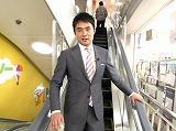情報バラエティ番組『シルシルミシルさんデー』でリポートに初挑戦した前衆議院議員の杉村太蔵氏