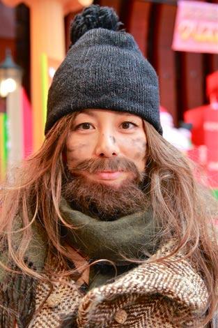 自らつげ髭を志願した米倉 (c)テレビ朝日