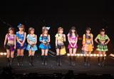 亀井絵里、ジュンジュン、リンリンの卒業公演『モーニング娘。コンサートツアー2010秋〜ライバルサバイバル〜』ツアー最終公演の模様