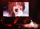 自身が卒業する『モーニング娘。コンサートツアー2010秋〜ライバルサバイバル〜』ツアー最終公演のソロコーナーで目に涙を溜めあいさつするリンリン