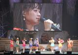 本公演でモーニング娘。を卒業する(右から)亀井絵里、リンリン、ジュンジュン (C)ORICON DD inc.