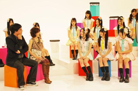 伊藤つかさ(左より2人目)のアイドル歌手時代の秘話を聞くSKE48のメンバー