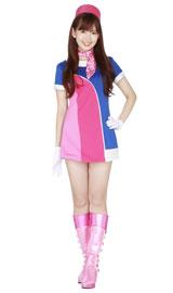 ミニスカート姿もキュートな小嶋陽菜/『H.I.S』新CMのイメージキャラクターを務めるAKB48