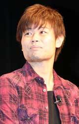映画『漫才ギャング』の完成報告会見に出席した品川ヒロシ監督