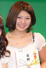 ご当地アイドルNo.1を決定するイベント『U.M.U AWARD 2010』で優勝した、新潟県代表NegiccoのMegu (C)ORICON DD inc.