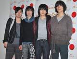 紅白のリハーサルを終えた(左から)阪井一生(G)、小倉誠司(Dr)、山村隆太(Vo)、尼川元気(B) (C)ORICON DD.inc