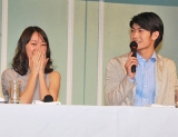 新月9ドラマ『大切なことはすべて君が教えてくれた』の制作発表会見に出席した戸田恵梨香(左)と三浦春馬 (C)ORICON DD inc.