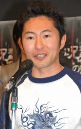 なべやかんが一般女性との婚約を発表 (C)ORICON DD inc.