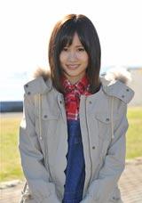 スペシャルドラマ『桜からの手紙〜AKB48 それぞれの卒業物語〜』で上川隆也演じる担任・前田の娘役の前田敦子