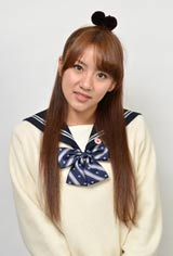 スペシャルドラマ『桜からの手紙〜AKB48 それぞれの卒業物語〜』で学級委員役を務める高橋みなみ