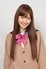 スペシャルドラマ『桜からの手紙〜AKB48 それぞれの卒業物語〜』で妊娠が発覚してしまう生徒を演じる小嶋陽菜
