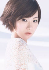 『マキアージュ』のイメージキャラクターを務める椎名林檎