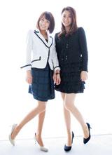 小林麻耶、麻央姉妹が美脚を披露