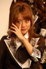 映画『DOCUMENTARY of AKB48 to be continued 10年後、少女たちは今の自分になにを思うのだろう?』初日舞台あいさつに出席し号泣した高橋みなみ (C)ORICON DD inc.
