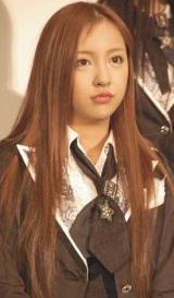 映画『DOCUMENTARY of AKB48 to be continued 10年後、少女たちは今の自分になにを思うのだろう?』初日舞台あいさつに出席した板野友美 (C)ORICON DD inc.