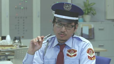 警備員役で登場するやくみつる/『ボス 贅沢微糖』(サントリー)新CM