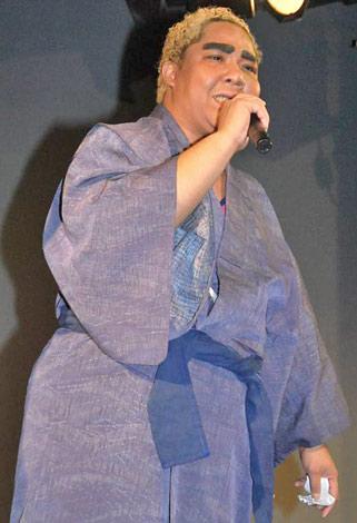 WAHAHA本舗全体公演『ワハハの力』のプレイベントで初舞台に立ったアジャコング (C)ORICON DD inc.