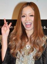 映画『パラノーマル・アクティビティ2』の試写会イベントで新恋人との交際順調を報告した小森純