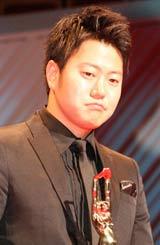 『第65回(2010年)毎日映画コンクール』の表彰式に出席したスポニチグランプリ新人賞の遠藤要