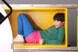 木村カエラが小さな箱に入る『KAWARU XYLISH』(明治製菓)新CM/メイキングカット