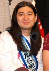 『よしもと男前ブサイクランキング2011』でやせたら男前で賞を受賞したハイキングウォーキング・鈴木Q太郎 (C)ORICON DD inc.