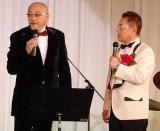 加藤茶のデビュー50周年記念パーティーに参加した松山千春(左) (C)ORICON DD inc.