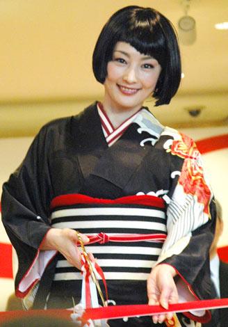 『生誕100年 岡本太郎展』開会式に着物姿で登場した常盤貴子 (C)ORICON DD inc.