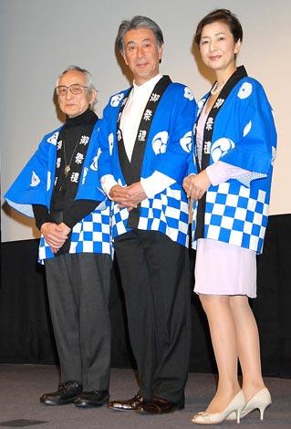 映画『ホームカミング』の完成披露試会に参加した(左から)飯島敏宏監督、高田純次、高橋惠子 (C)ORICON DD inc.