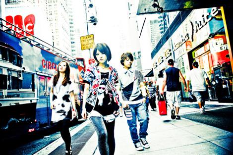 ステレオポニー(左からNOHANA、AIMI、SHIHO)