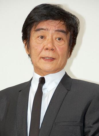 東日本大震災の被災者へ向けたチャリティライブに出演した田辺靖雄 (C)ORICON DD inc.