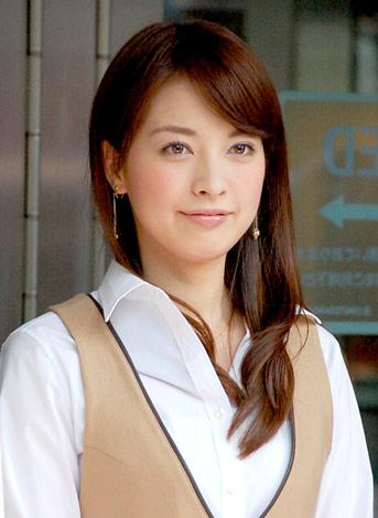 表参道ヒルズで募金活動を行った鷲尾春果 (C)ORICON DD inc.
