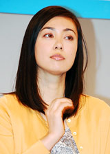 新ドラマ『高校生レストラン』の会見に出席した吹石一恵
