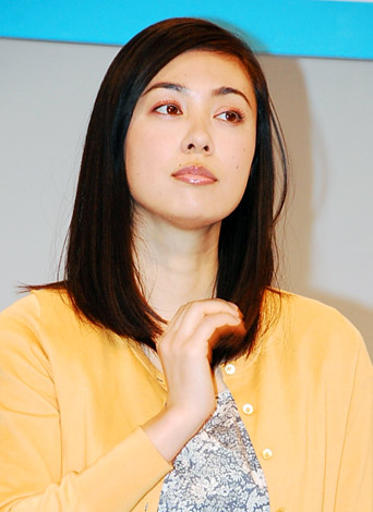 新ドラマ『高校生レストラン』の会見に出席した吹石一恵 (C)ORICON DD inc.