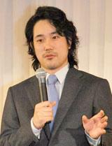会見で小雪と結婚するまでのいきさつを語る松山ケンイチ (C)ORICON DD inc.