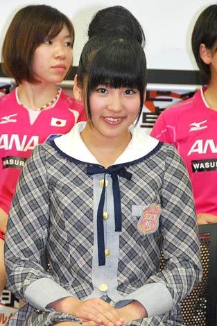テレビ東京『世界卓球2011ロッテルダム』でサポーターを務めるAKB48の仲川遥香 (C)ORICON DD inc.